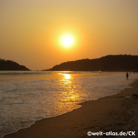 Sonnenuntergang am Palolem Beach, Goa