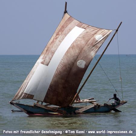 Garnelenfischer vor der Küste von Negombo, Sri Lanka