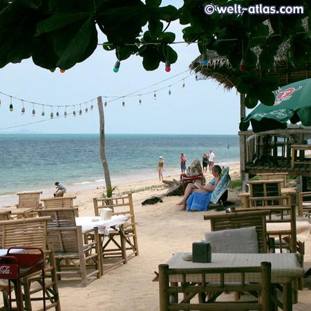 schöner Strand und Restaurant,http://www.kohsamui.20m.com/
