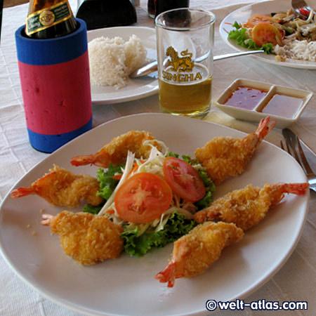 leckere Prawn Tempura im Strandrestaurant