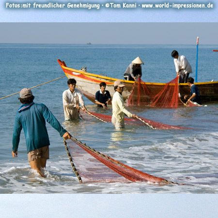 Fishermen at the beach near Mui Ne