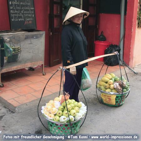 street vendor woman in Vietnam