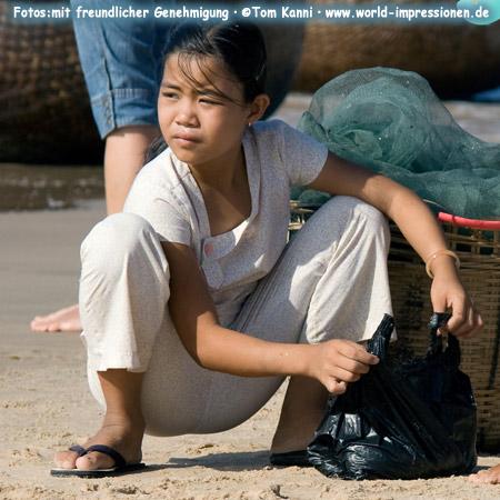 young girl, Mui Ne, Vietnam