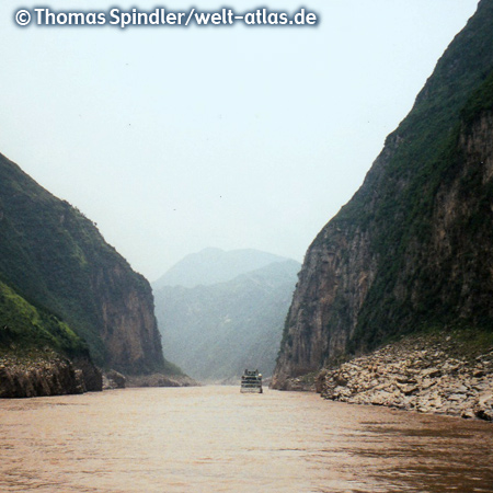 Cruise ships in a gorge of the Yangtze River, longest river of Asia