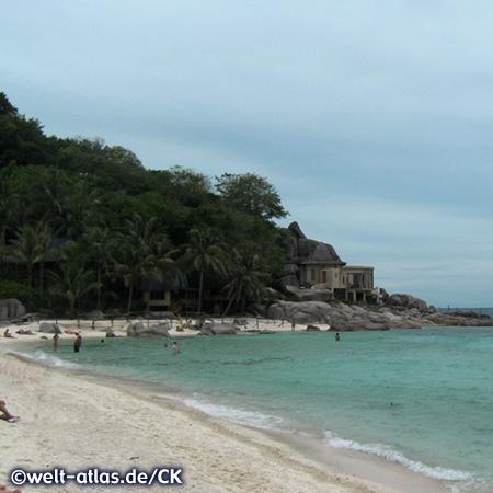 Strand auf Koh Nang Yuan, gegenüber der Insel Koh Tao im Golf von Thailand