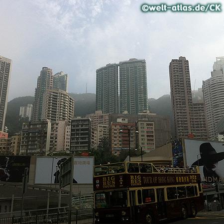 Sightseeing Bus bei der Peak-Tram-Station in Hong Kong