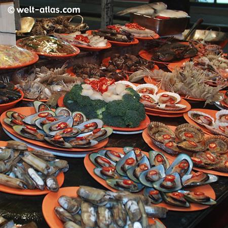 Meeresfrüchte, Muscheln, Hummer und mehr