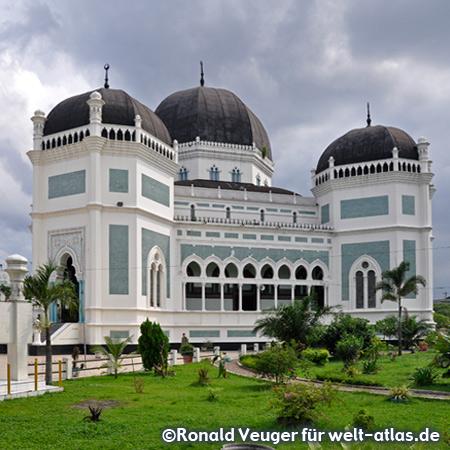 Grosse Moschee, Masjid Raya in Medan (Nord-Sumatra)