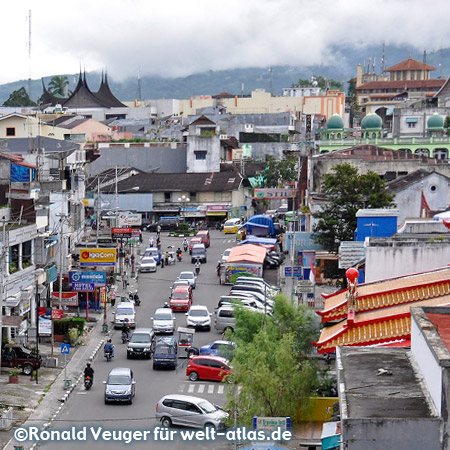 Bukittinggi City View from the bridge at the street Jalan Ahmad Yani – in the background the Mount Merapi volcano has disappeared behind clouds
