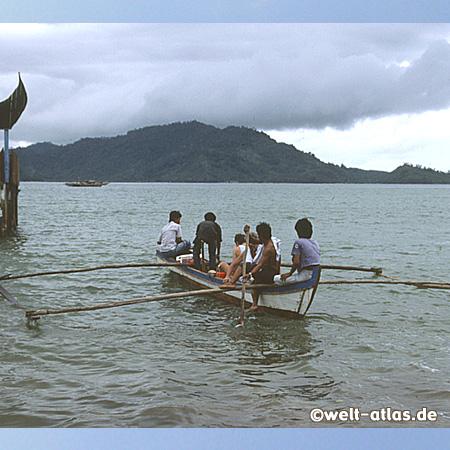 Boat Trip at Carolina Beach, south of Padang