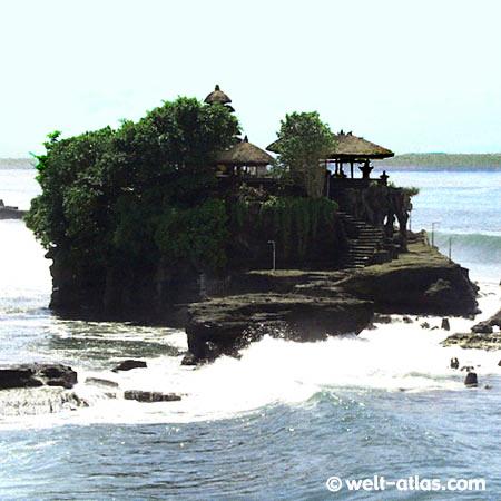 Temple Tanah Lot, South-Bali, Indonesia