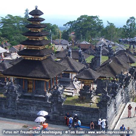 Pura Besakih, größte Tempelanlage auf der Insel Bali am Hang des Gunung Agung (Vulkan), Heiliger Berg der Balinesen