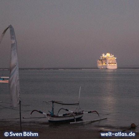 Abendstimmung am Strand von Tanjung Benoa, Bali – Foto: Sven Böhm für welt-atlas.de