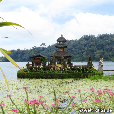 Ulun Danu Bratan Temple, water temple on Lake Bratan, Bali