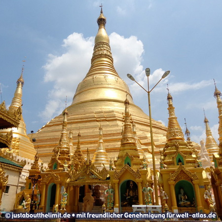Die goldene Shwedagon-Pagode in Rangun, einer der heiligsten Orte der Welt für Buddhisten