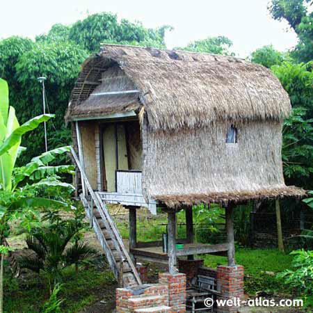 Speicher im traditionellen Sasak-Dorf,