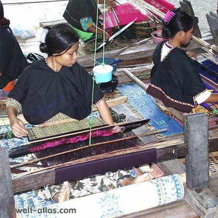 Weberinnen, traditionelles Kunsthandwerk