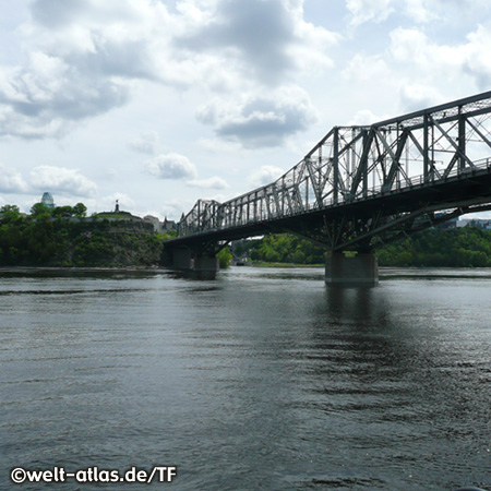 The Alexandra Bridge crosses the Ottawa River from Ontario to Quebec