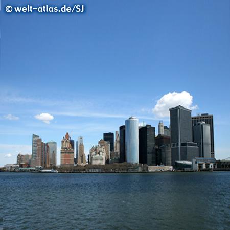 Blick von der Staten Island Ferry auf Lower Manhattan