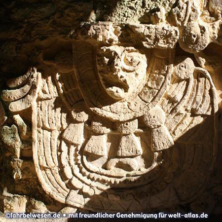 Skulptur in den Mayaruinen von Palenque – UNESCO-Weltkulturerbe – Foto:©fahrbelwesen.de