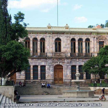 Barock-Architektur an der Plaza de Armas im historischen Zentrum von Zacatecas – Foto:©fahrbelwesen.de