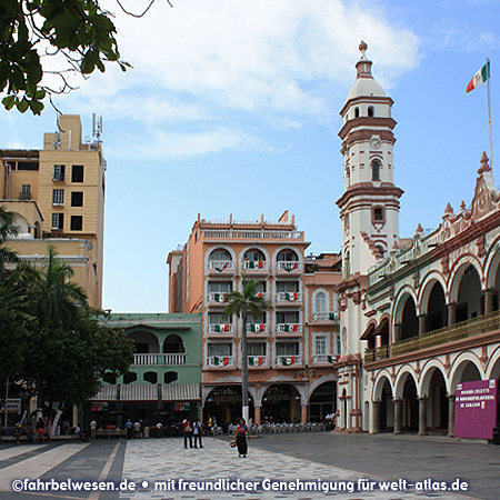 Zócalo, Platz in Veracruz mit dem Palacio Municipal (ehemaliges Rathaus) – Foto:©fahrbelwesen.de