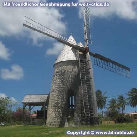Die Mühle von Bézard im  Ort Capesterre auf Marie Galante, GuadeloupeFotos: Reisebericht Guadeloupe, guadeloupe.binobio.de