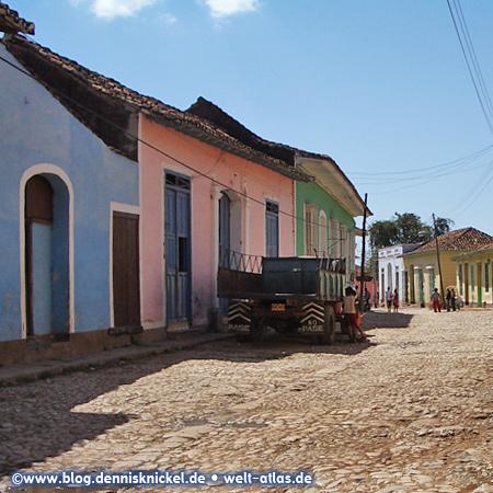 Gasse in Trinidad, Kuba – Foto: www.blog.dennisknickel.desiehe auch http://tupamaros-film.de