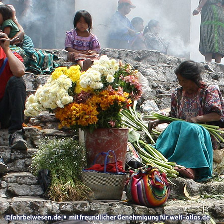 Market in Chichicastenango, flower vendors on the steps to the Church of Santo Tomás