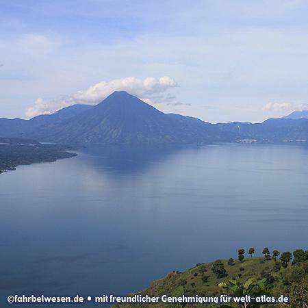 Vulkane am Lago de Atitlán, Panajachal – Foto:©fahrbelwesen.de