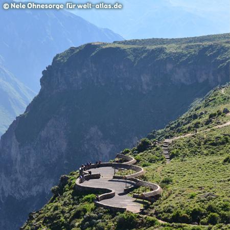 Blick vom Mirador in das Tal des Río Colca, Cañon de Colca, Foto:©Nele Ohnesorge