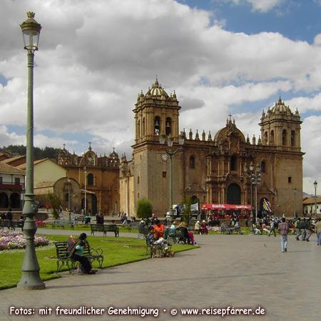 Kathedrale Santo Domingo an der Plaza de Armas in Cusco.Foto:© www.reisepfarrer.de