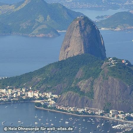 """Blick vom Berg Corcovado mit der Christus-Statue """"Cristo Redentor"""" auf Rio de Janeiro und den Zuckerhut, Foto:©Nele Ohnesorge"""