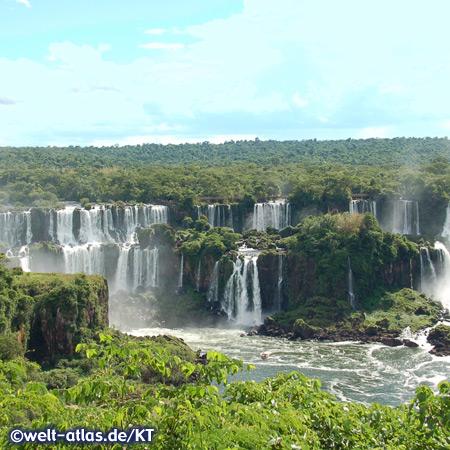 Iguazú-Wasserfälle, Zusammenfluss von Iguaçu und Paraná an der Grenze zwischen Argentinien und Brasilien, UNESCO-Welterbe