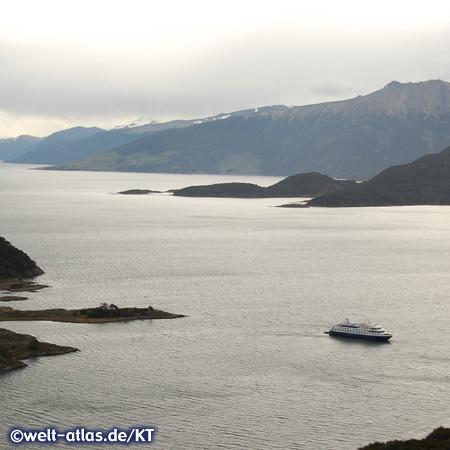 Die Via Australis unterwegs in der Wulaia-Bucht, Chile