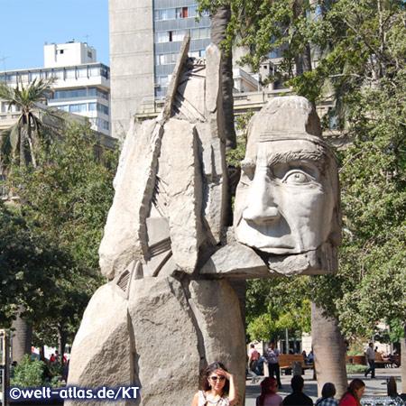 Santiago de Chile, Denkmal auf der Plaza de Armas