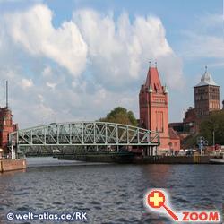 Foto von Hubbrücken in Lübeck